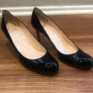 Christian Louboutin Black patent pumps 42/12
